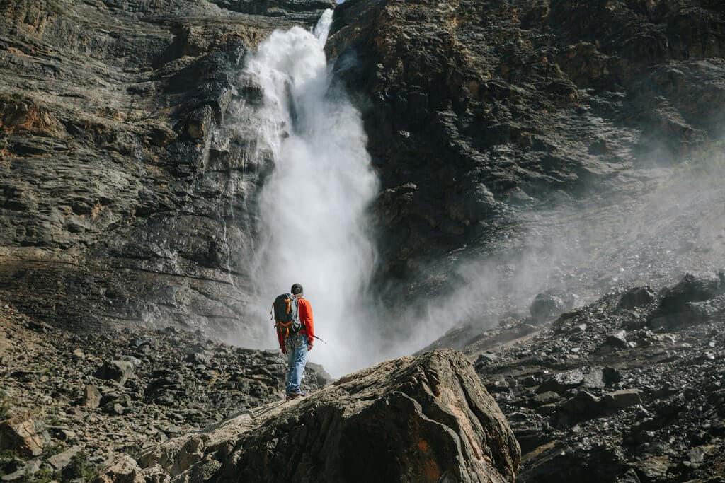 Mountain Lakes Waterfalls Takakkaw Falls